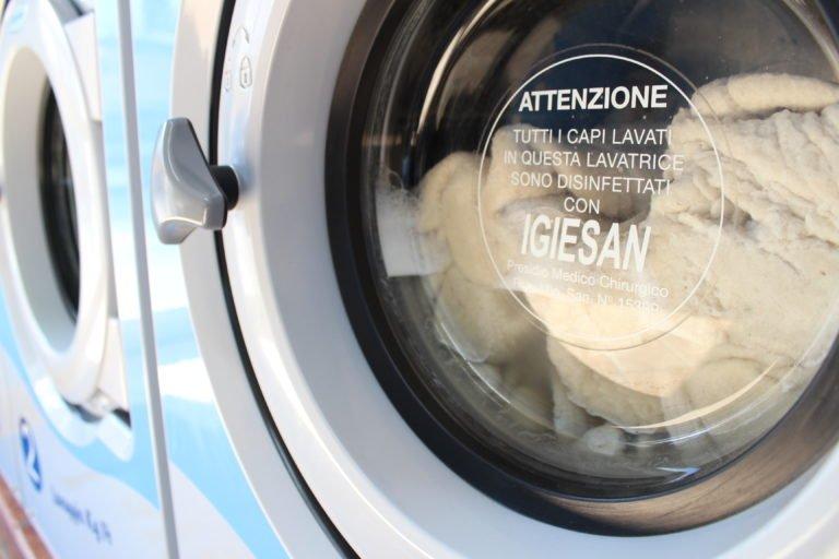 Quanto costa lavare il tuo piumone matrimoniale in lavanderia