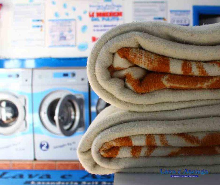 lava e asciuga lavanderie self service